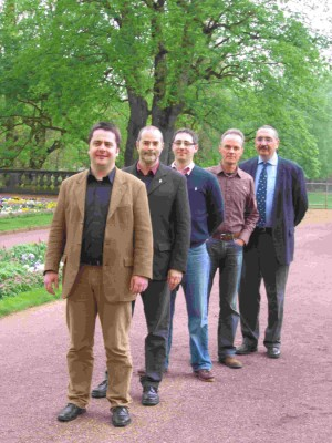 v.l.n.r Cormac Clancy, Johannes Viala, Christian Valk, Conrad Wimmel, Weinchampion 2009 Dr. Hartmut Gerstenkorn