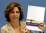 Sabine Bätzing bei der Vorstellung des Berichtes 2009