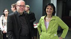 Karl-Heinz Wenzlaff (Blogtrainer) und Frau Prof. Dr. Fleuchaus beim Internet und Social Media Seminar im November an der Hochschule Heilbronn