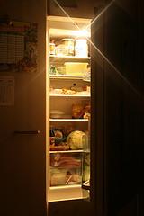 Mitternächtlicher Kühlschrank
