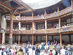 Pause im Londoner Globe Theatre