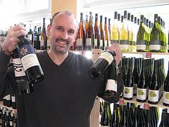 Ingo Bargatzky vom Weinparlament in Ratingen ist für die nächsten Wochen gerüstet