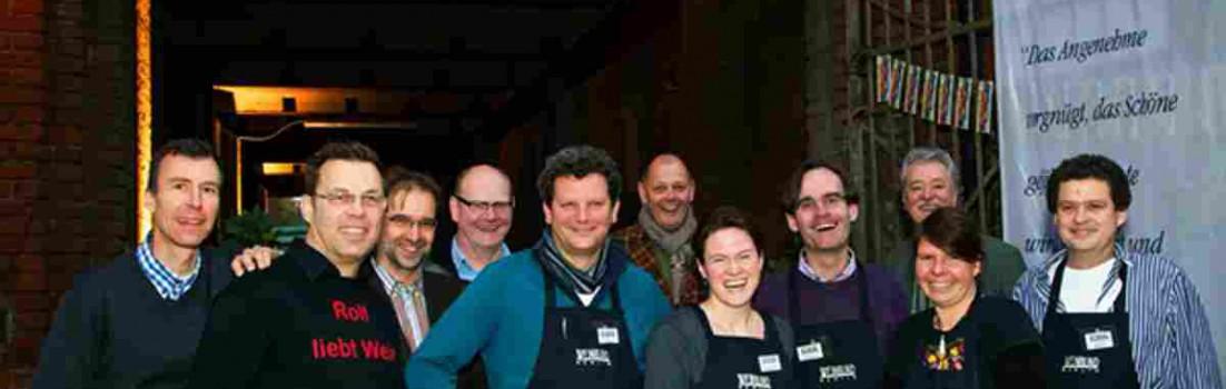Mitglieder des Winbund Berlin bei der Jahrespräsentation 2012 im Kühlhaus foto:Weinbund